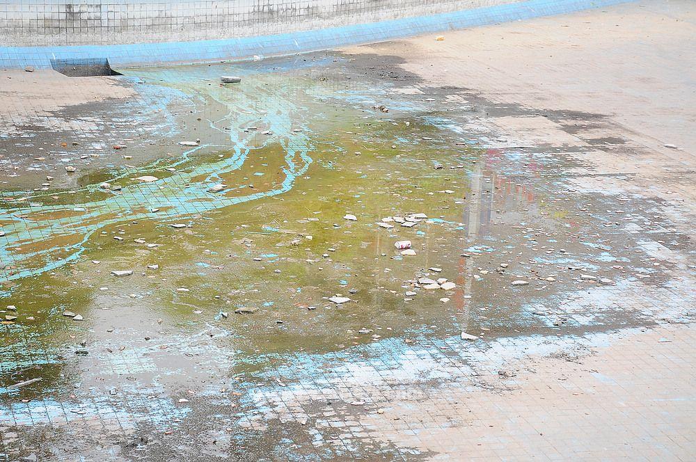 花灯广场的水池是不是该整改得了