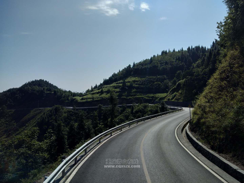 秀山公路入秋养护忙。
